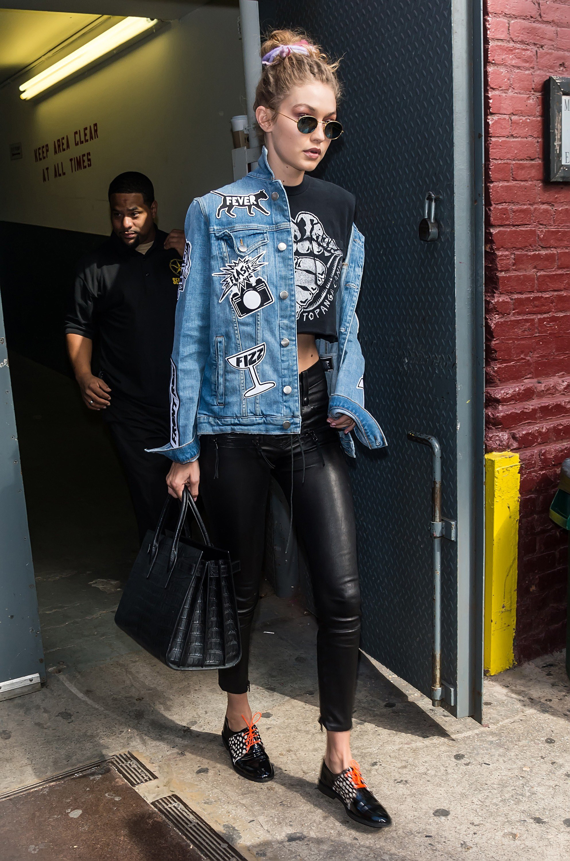 after-marc-jacobs-show-gigi-decided-pull-her-denim-jacket